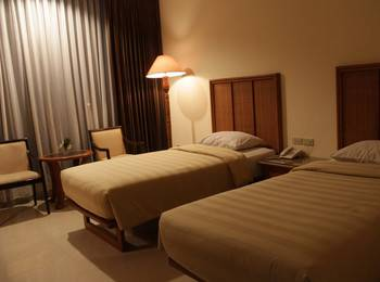 Hotel Intan Cirebon - Deluxe Room Only Regular Plan