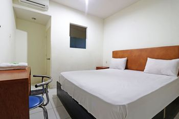Anno Guesthouse Makassar - Standard Room Breakfast Stay More Pay Less