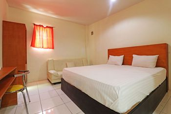 Anno Guesthouse Makassar - Superior Room Breakfast Stay More Pay Less