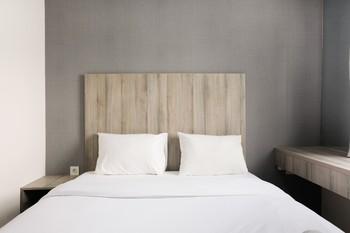 Minimalist Studio Room at Bintaro Icon Apartment By Travelio Tangerang Selatan - Studio 10%