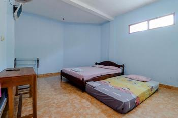 Hotel Kukup Indah Yogyakarta - Superior Triple FAN Room Only NR Stay More, Pay Less