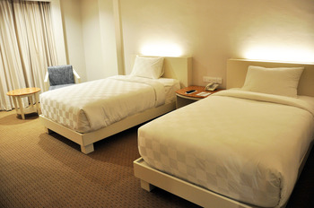 Beverly Hotel Batam Batam - Deluxe Twin Room Only Promo Hepi