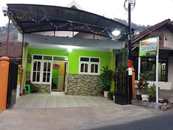 Garry Bromo Homestay Probolinggo - 1 Unit Vila: 4 Kamar + 2 Extra Bed Regular Plan