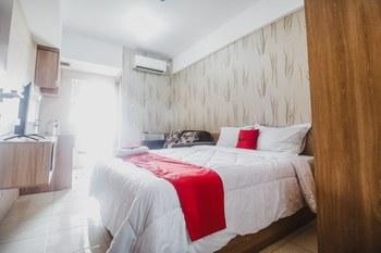 RedDoorz Apartment @ Green Lake View Ciputat Tangerang Selatan - RedDoorz Room with Breakfast Best Deal