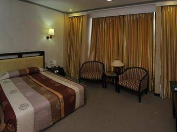 Hotel Yasmin Makassar - Suite Room Regular Plan