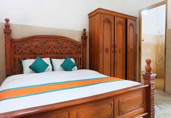 Simply Homy Guest House Unit UNY Samirono Yogyakarta - House 4 Bedrooms SIMPLY PROMO
