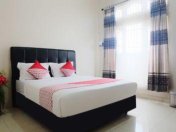 OYO 1426 Assyifa Hotel