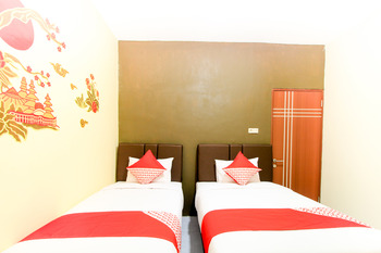 OYO 217 A1 hotel Surabaya - Standard Twin Room Regular Plan