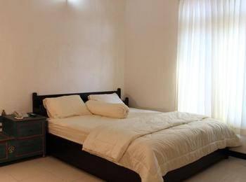 Hotel Savitri Country Yogyakarta - Deluxe - Room Only Regular Plan