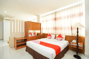 OYO 235 Maumu Hotel & Lounge Surabaya - Standard Double Room Regular Plan