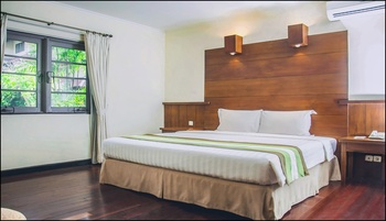 Graha Residen Surabaya - 3 Bedroom Family Suite - Breakfast Regular Plan