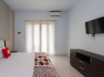 ZenRooms Uluwatu Dua Unud - Double Room Regular Plan