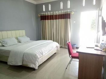 Hotel Hineni Tapanuli Utara - Executive Room Breakfast Regular Plan