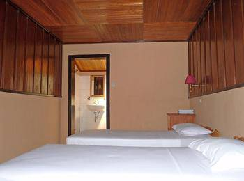Ue Datu Cottages Poso - Deluxe Twin Room Regular Plan