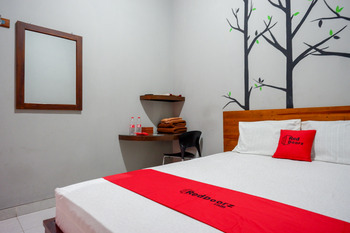 RedDoorz near Jogja Expo Center 2 Yogyakarta - RedDoorz SALE 125K Regular Plan