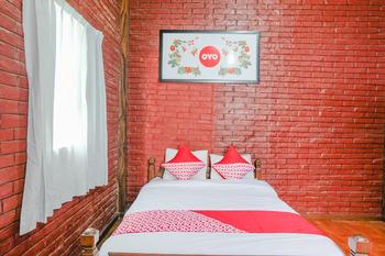 OYO 774 Villa 007 Sengkaling Malang - Standard Double Room Regular Plan