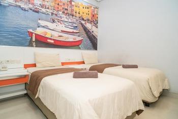 Tirta Mansion Paramount Hotel Tangerang - Twin Room Regular Plan