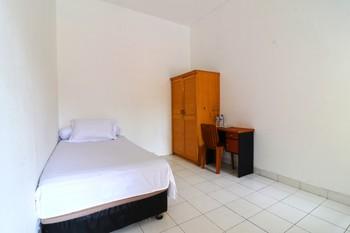 Guest House Syariah Griya Sawamah Jakarta - Single Room Minimum Stay