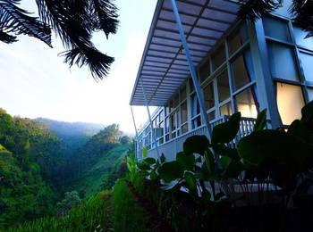 Bukit Cikahuripan Resort Bandung - Executive Room With Breakfast Regular Plan
