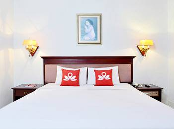 ZenRooms Soekarno Hatta Buah Batu - Double Room Regular Plan