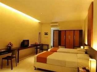 LPP Convention Hotel Yogyakarta - Superior Twin Room Only Promo Safecation