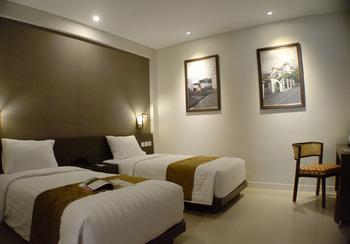 Ayola Tasneem Convention Hotel Yogyakarta Yogyakarta - Superior Twin Room Only Regular Plan