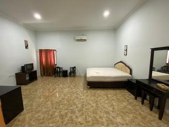 Hotel Magellona Makassar Makassar - Deluxe Room Best Deal