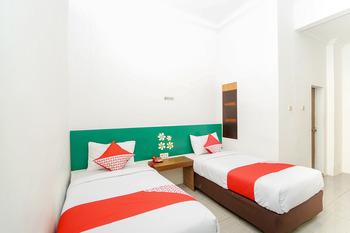 OYO 231 Hotel Andita Syariah Surabaya - Standard Twin Room Regular Plan