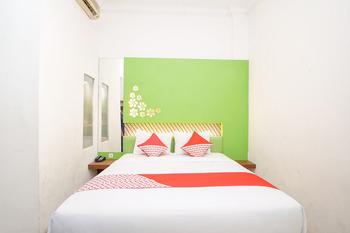OYO 231 Hotel Andita Syariah Surabaya - Standard Double Room Regular Plan