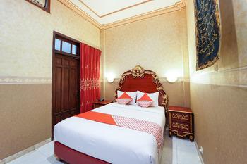OYO 231 Hotel Andita Syariah Surabaya - Suite Double Regular Plan