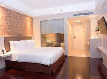 Platinum Adisucipto Hotel & Conference Center Yogyakarta Jogja - Deluxe Double Room MINIMUM STAY 2D