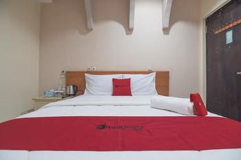 RedDoorz Premium @ Kahai Beach Lampung Lampung Selatan - RedDoorz Room with Breakfast Regular Plan