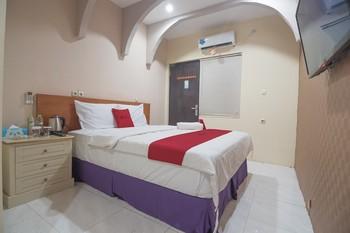 RedDoorz Premium @ Kahai Beach Lampung Lampung Selatan - RedDoorz Room 24 Hours Deal