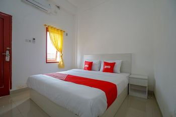 OYO 1146 Miracle Homestay Syariah Palembang - Standard Double Room Regular Plan