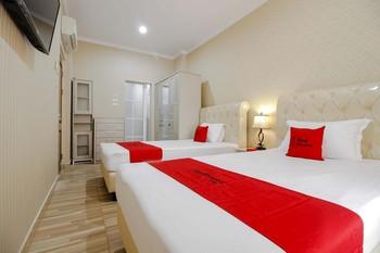 RedDoorz Plus @ Kwitang 2 Jakarta - RedDoorz Twin Room with Breakfast last minute
