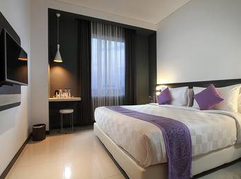 Forriz Hotel Jogja - Superior King Regular Plan