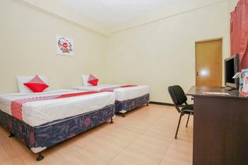 OYO 1105 Nick's AA5 Homestay Surabaya - Standard Twin Room Regular Plan