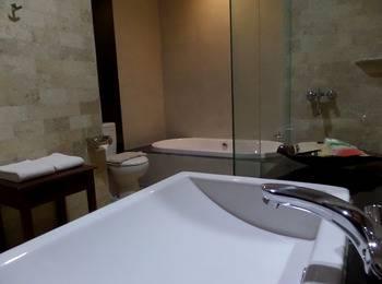 Bukit Daun Hotel and Resort Kediri - Deluxe Studio Regular Plan