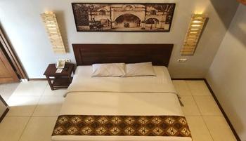 Bukit Daun Hotel and Resort Kediri - Mezzanine Room Regular Plan
