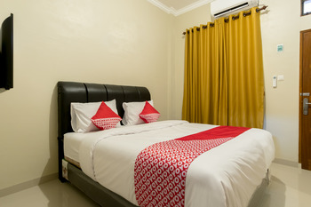 OYO 597 Joyce Guest House Medan - Standard Double Room Regular Plan