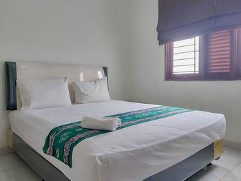 Guest House Syariah Gatsu 1 Banjarmasin - Standard Double Room Best Deal