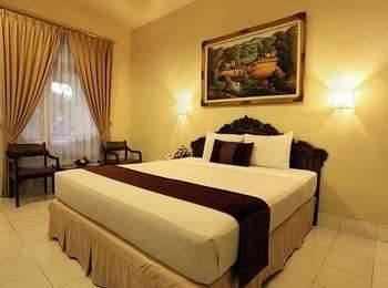 Hotel Grand Rosela Yogyakarta - Deluxe Room Only Regular Plan