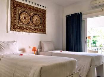 Hotel Puri Tempo Doeloe Bali - Superior Room Basic Deal