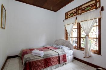 Mawar Asri Villa Kaliurang Syariah Yogyakarta - Standard Room Big Deal