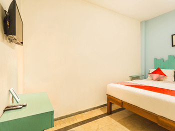 OYO 2544 Just-in Hotel Lombok - Deluxe Family Room Last Minute