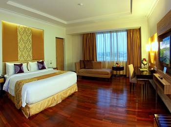 Premier Basko Hotel Padang - Deluxe Room Regular Plan