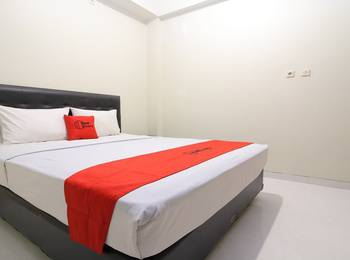 RedDoorz Plus near Universitas Negeri Yogyakarta