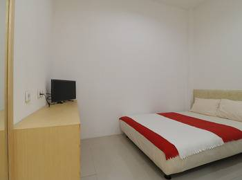 Room 28 Guest House Jakarta - Double Bedroom Regular Plan