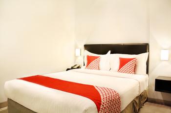 OYO 136 Manggis Inn Near RSU Kecamatan Taman Sari Jakarta - Deluxe Double Room Regular Plan