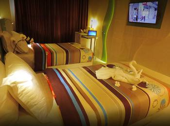Dewarna Hotel  Bojonegoro - Junior Suite Regular Plan